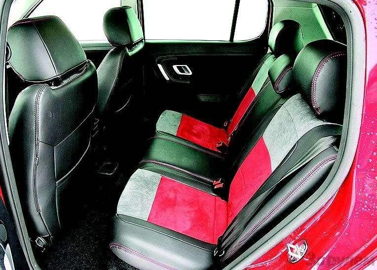 Peugeot 207, Chevrolet Aveo, Skoda Fabia: Кавалеры приглашают дам— фото 93093