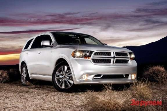 Dodge Durango RT side-front view