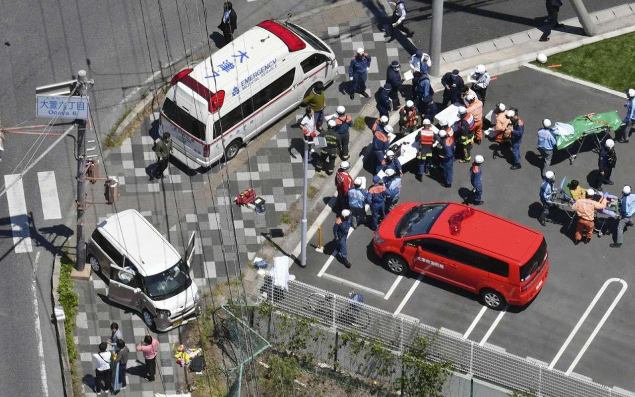 Автомобиль сбил колонну двухлетних детей. Просто кошмар— фото 972957