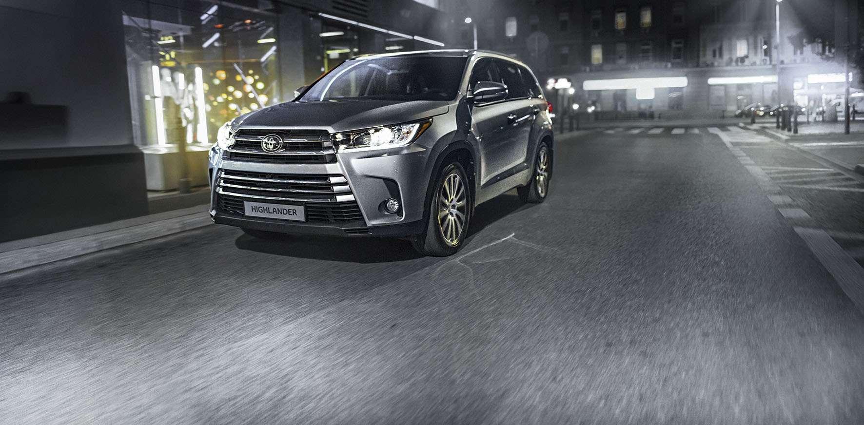 Обновленный Toyota Highlander: названы рублевые цены— фото 691864