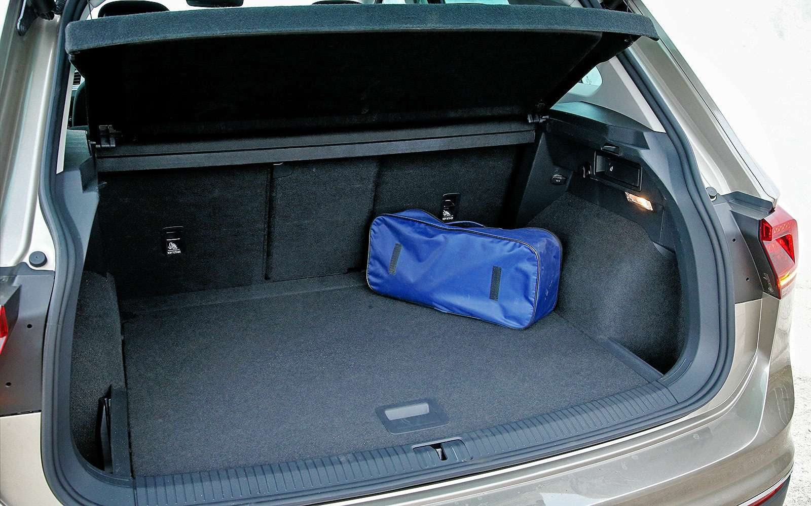 Багажник Volkswagen Tiguan 2017