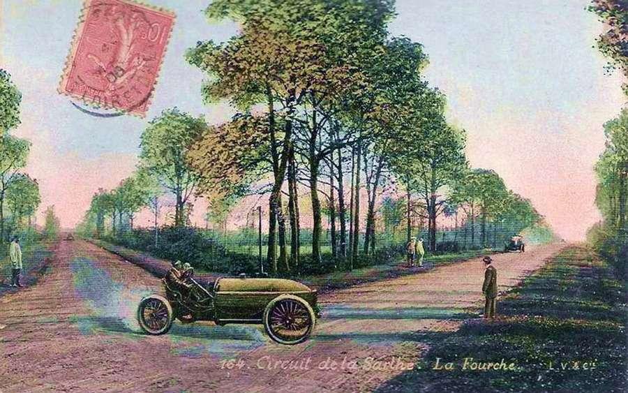 Полихромная почтовая карточка, изображавшая один изковарнейших поворотов натрассе первого Гран При, ЛяФурш.