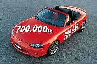 Mazda выпустила 700-тысячный родстер— фото 98316