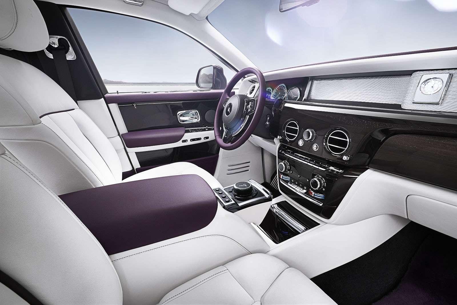 Rolls-Royce Phantom VIII: консервативен снаружи, технологичен внутри— фото 778874