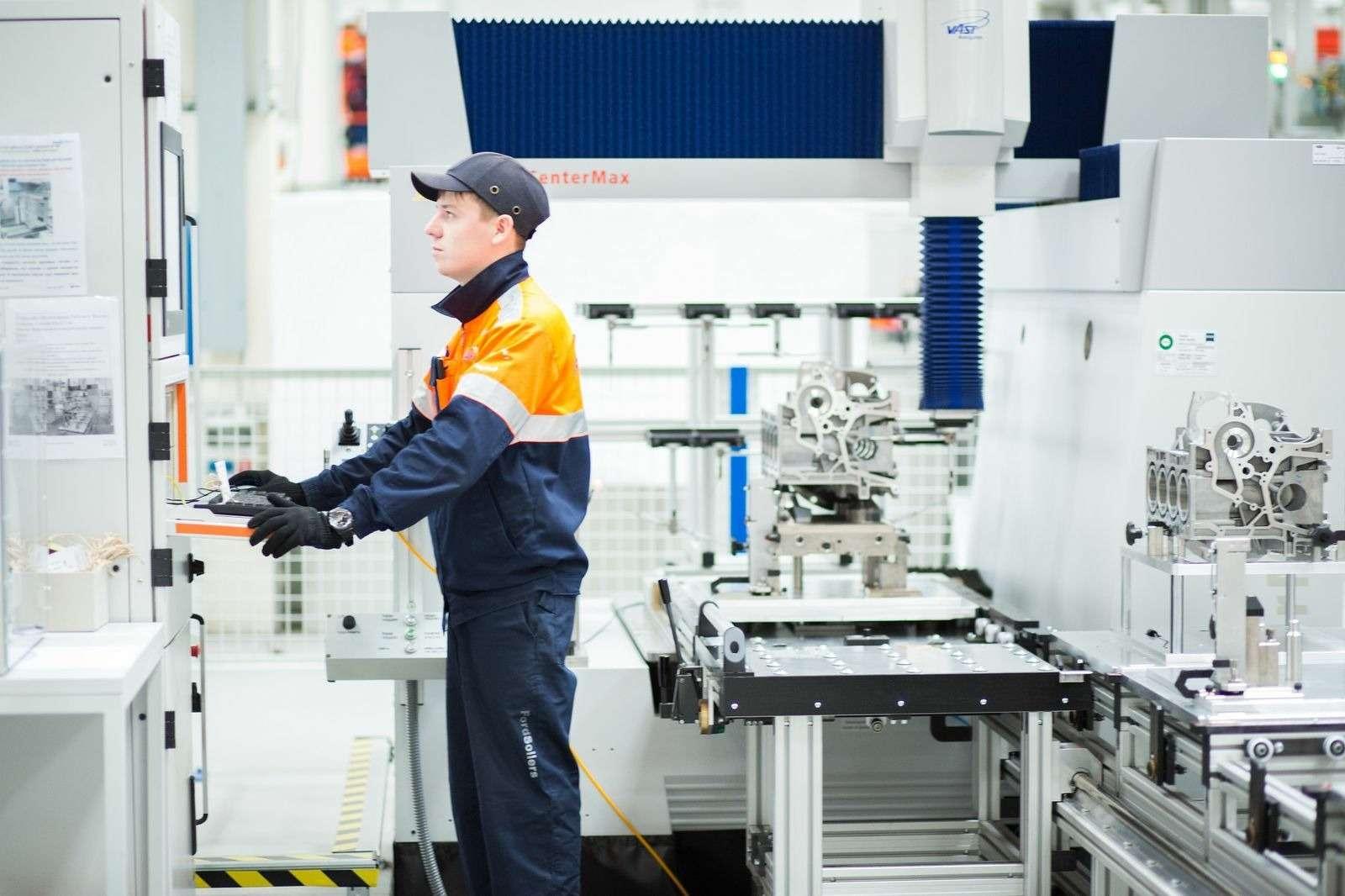 Ford Sollers начала собирать двигатели дляFiesta, Focus иEcoSport вЕлабуге— фото 388385