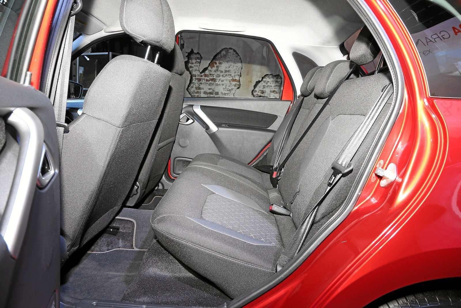 Обновленная Lada Granta представлена официально. Инет, она неподорожала!— фото 899812