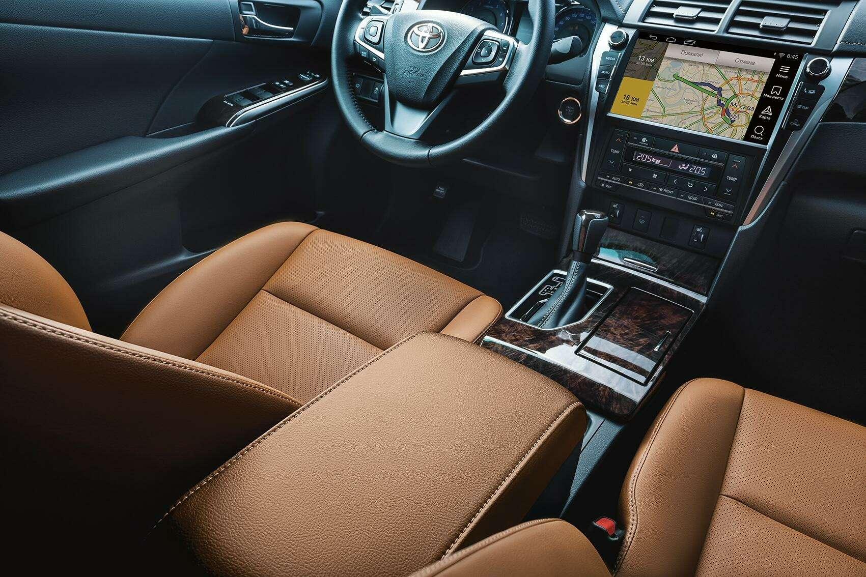 Эксклюзивная наша Камри: Toyota представила седан длягаджетоманов— фото 614336
