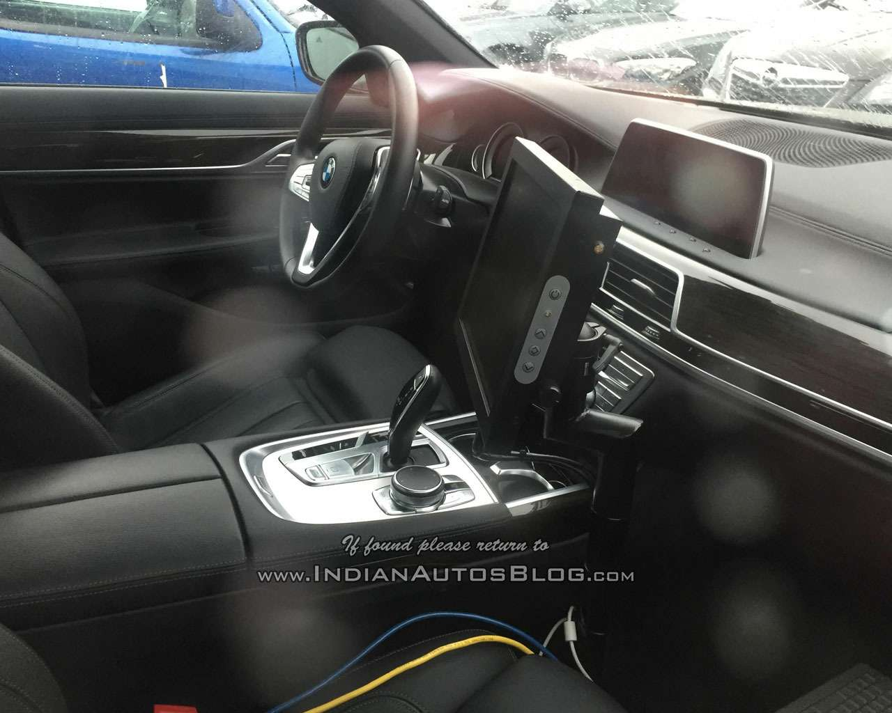 Мороз покоже: новая «пятерка» BMW показала свой интерьер— фото 647284