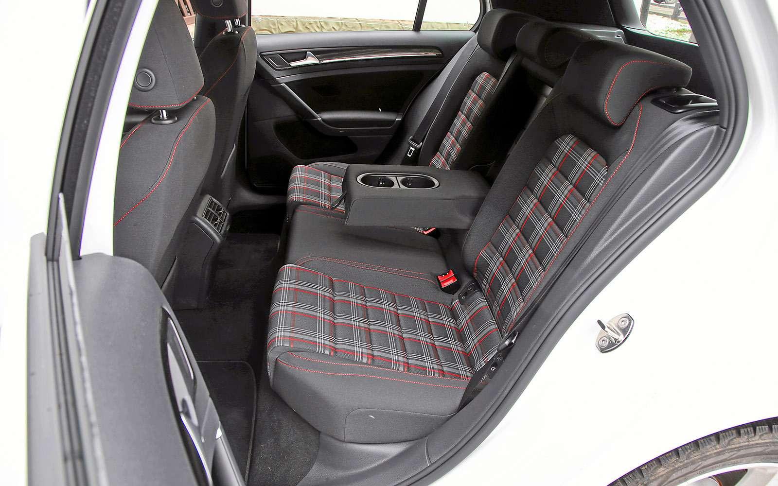 VWGolf GTI против Infiniti Q30—  кто любит погорячее— фото 710192