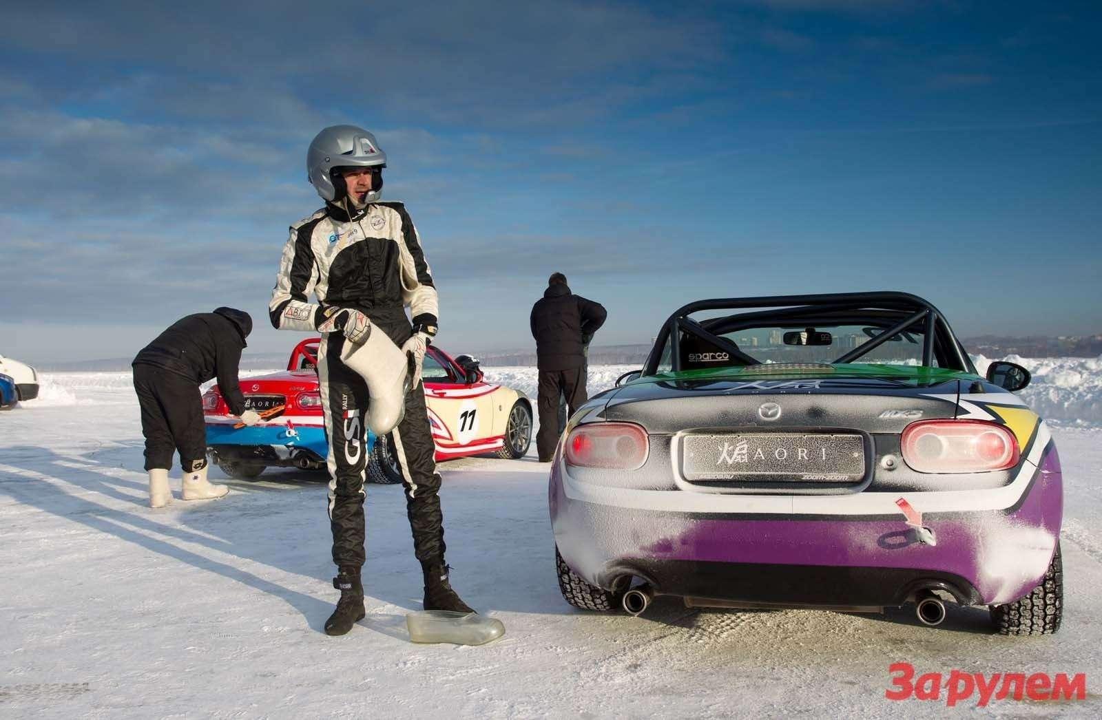 Mazda MX5Ice Race 2013     41