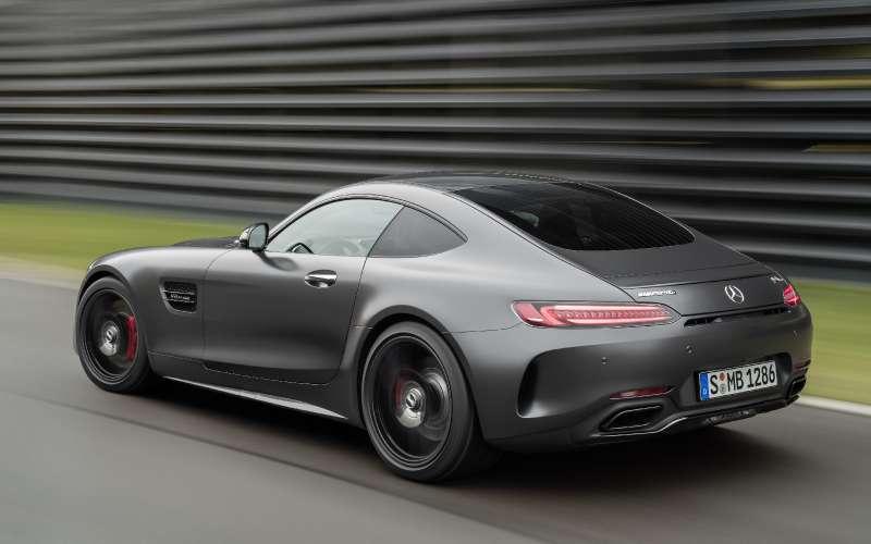 Спорткары Mercedes-AMG GTполучили вчесть юбилея новые «зубы»