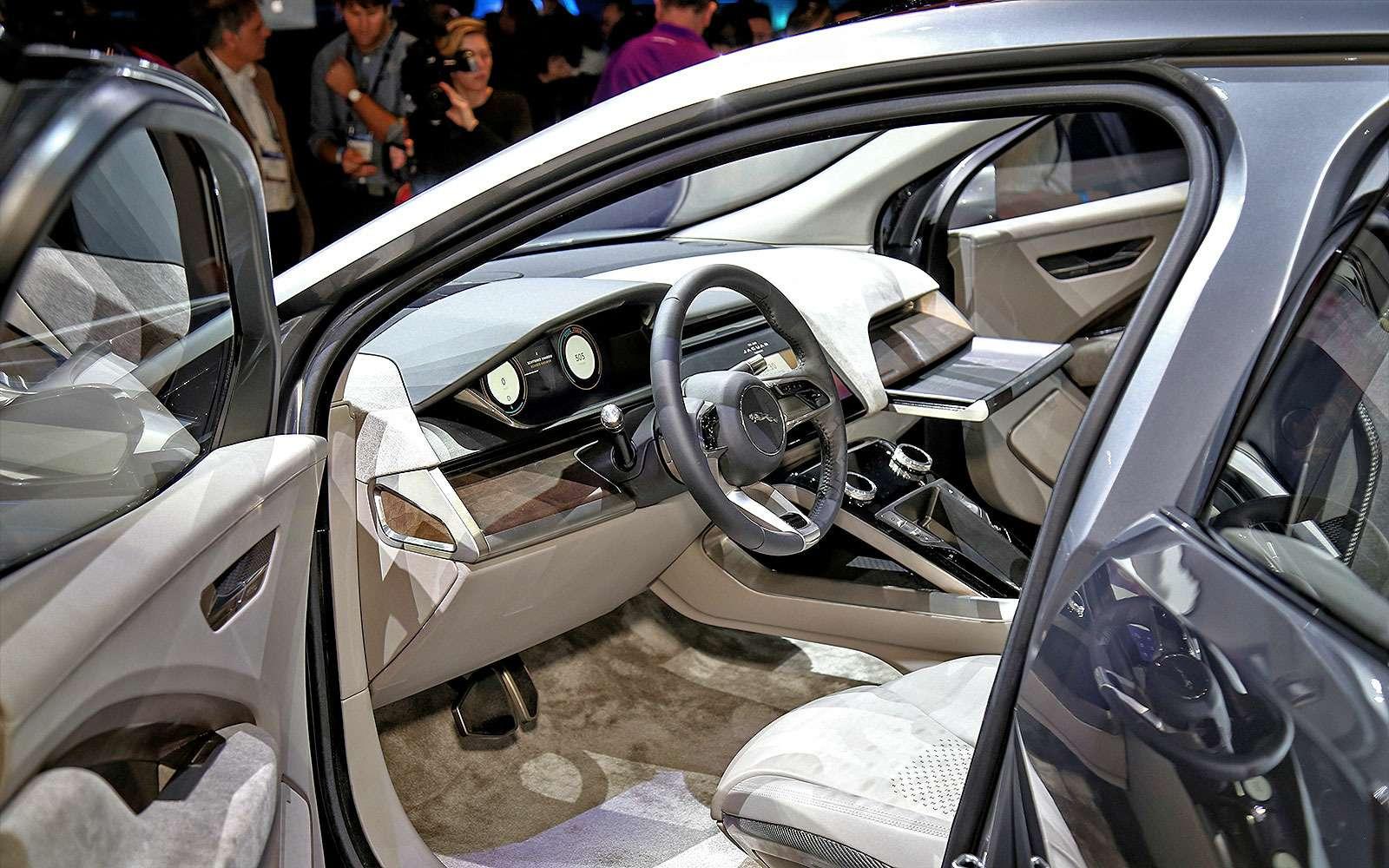 Бесшумная поступь хищника: Jaguar представил электрокроссовер I-Pace— фото 665279