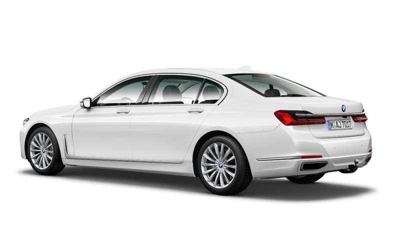 Обновленную «семерку» BMW рассекретили допремьеры