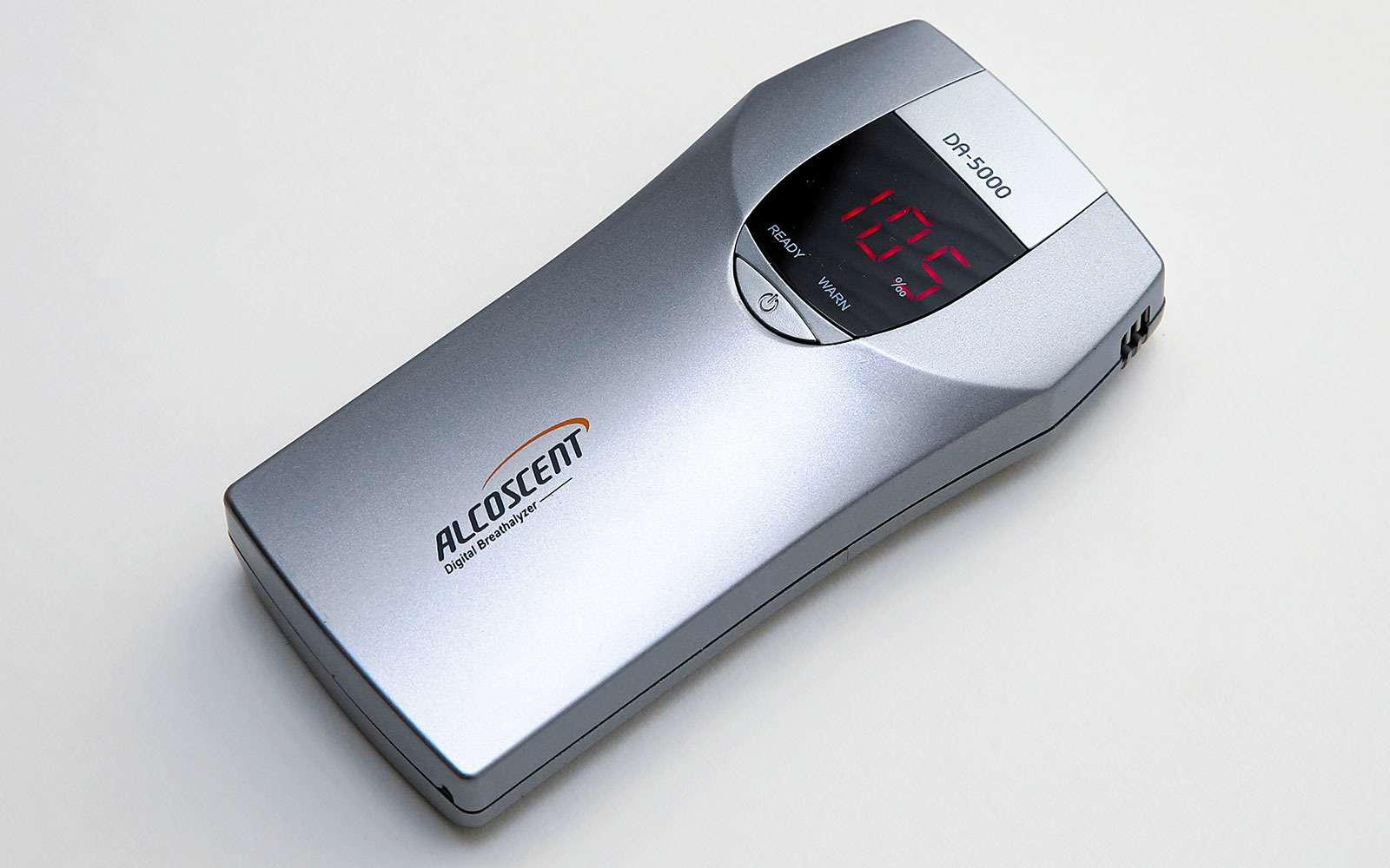 Экспертиза алкометров иалкотестеров: втрубочку дует... робот— фото 622841