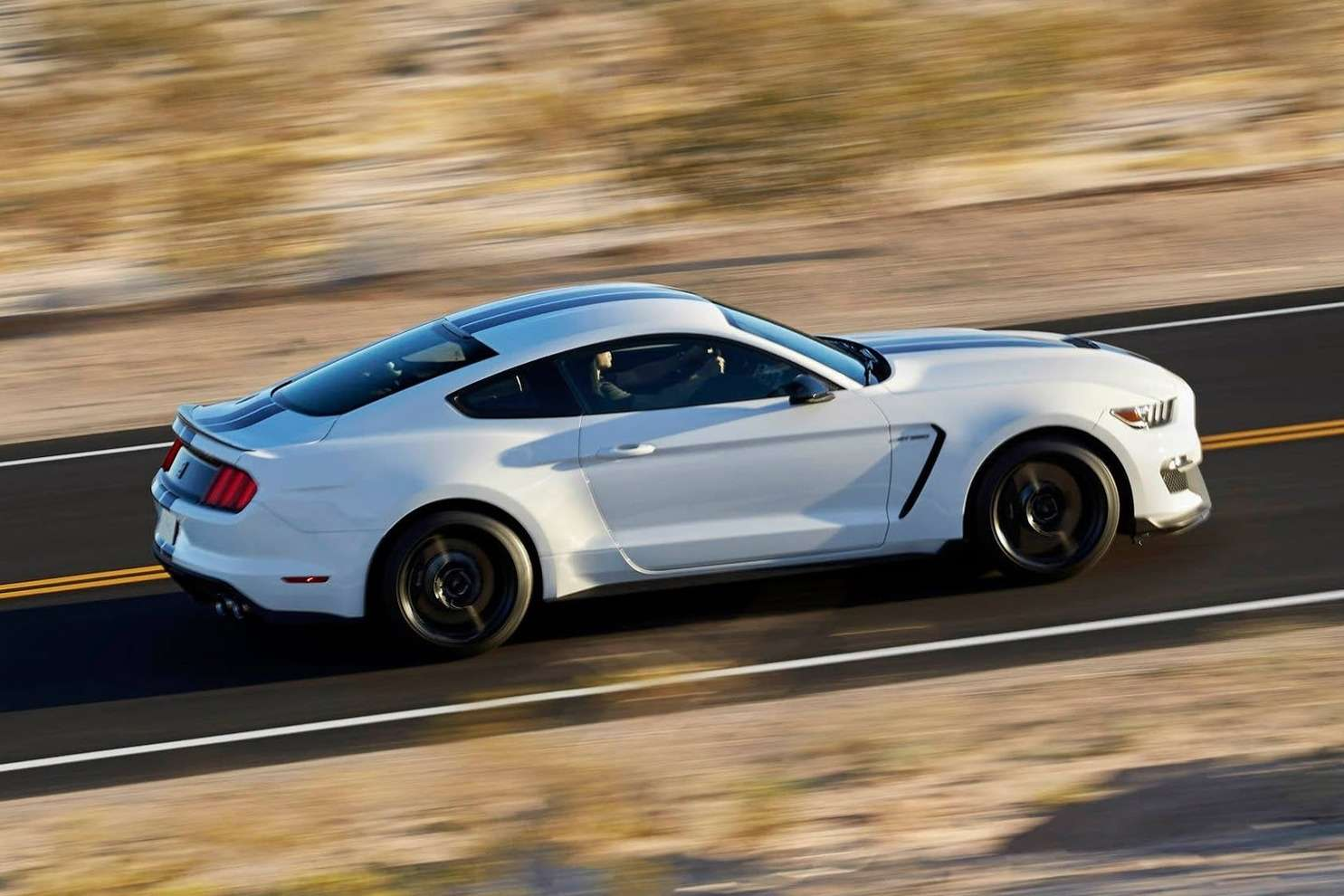 New-Ford-Mustang-Shelby-GT350-11