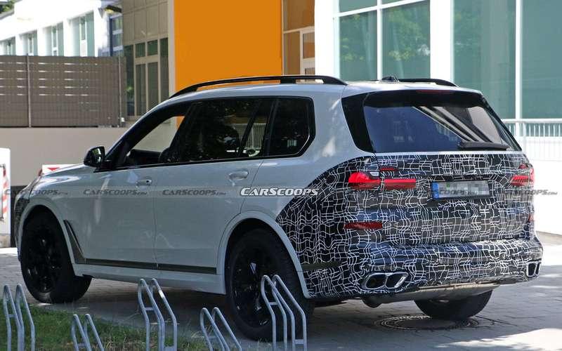 Обновленный BMW X7получит раздельные фары