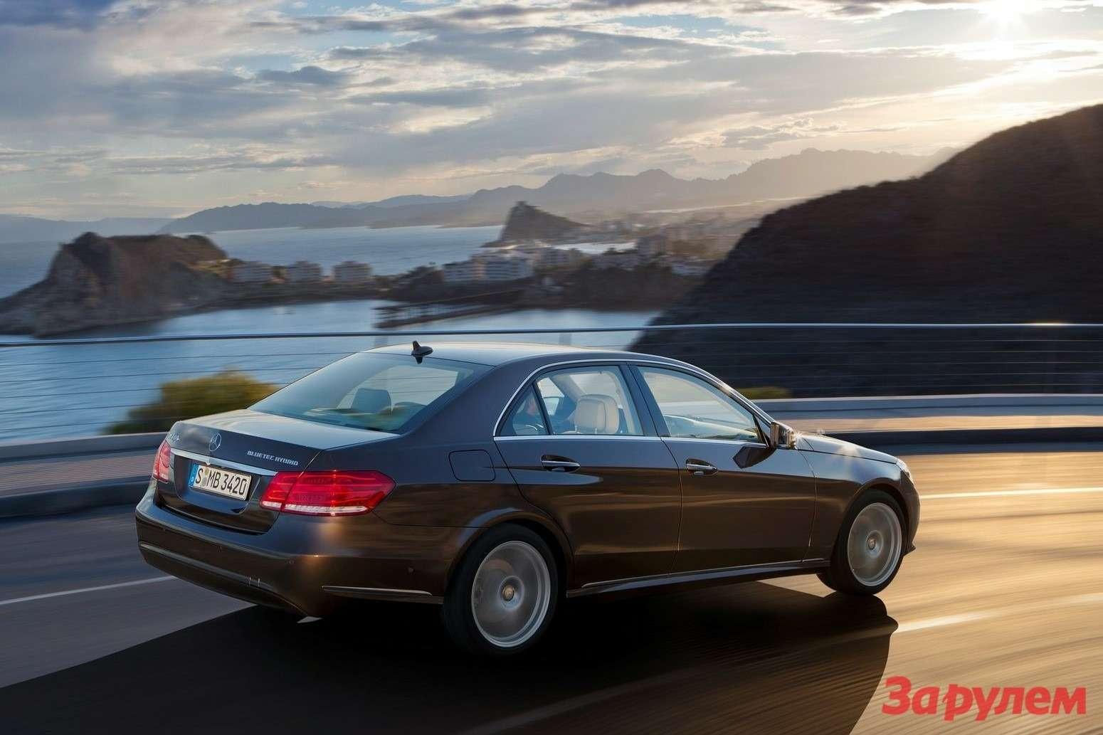 Mercedes-Benz-E-Class_2014_1600x1200_wallpaper_18