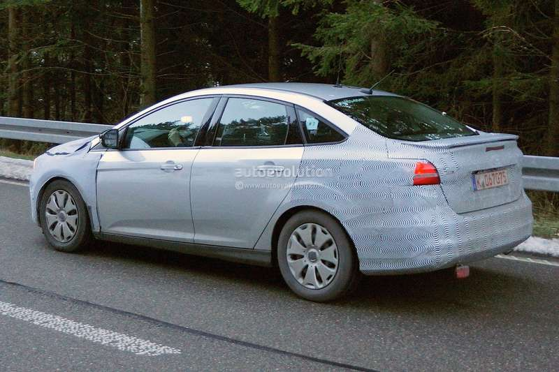 spyshots-2015-ford-focus-hatchback-sedan-and-estate-1080p-10_no_copyright