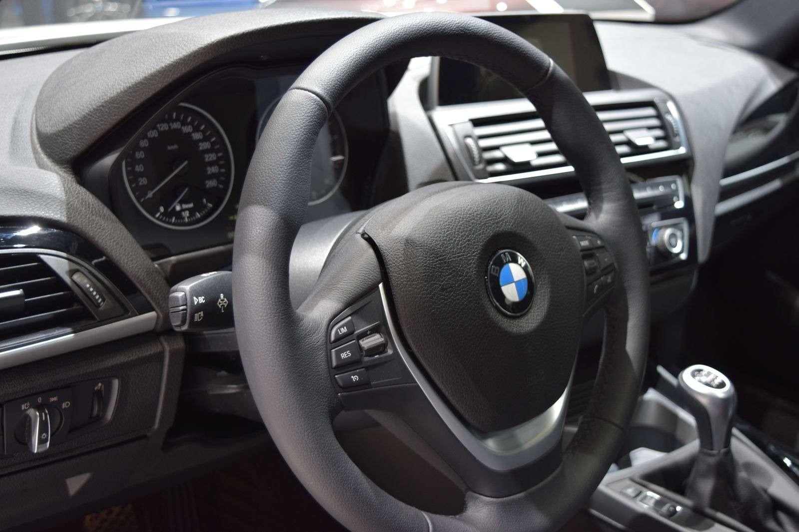 BMWдобавила свежести 1-й серии— фото 369407
