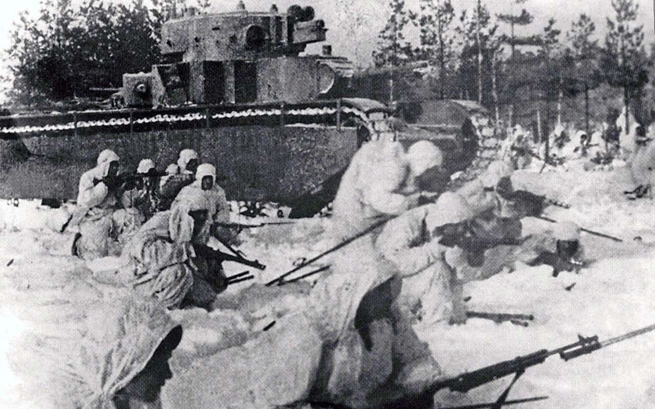 Неизвестный гигант Красной Армии: пятибашенный танк Т-35— фото 974065
