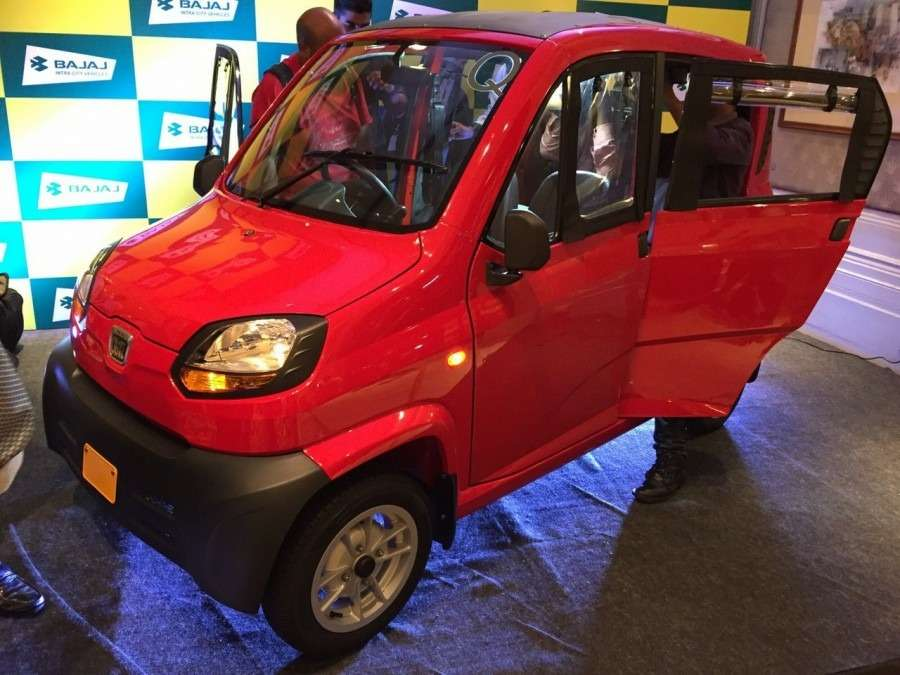 Bajaj-Qute-front-three-quarter-during-unveil-in-India-900x675