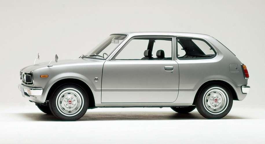 Дебют  Civic— самой популярной легковой модели Honda— состоялся 11июля 1972 года