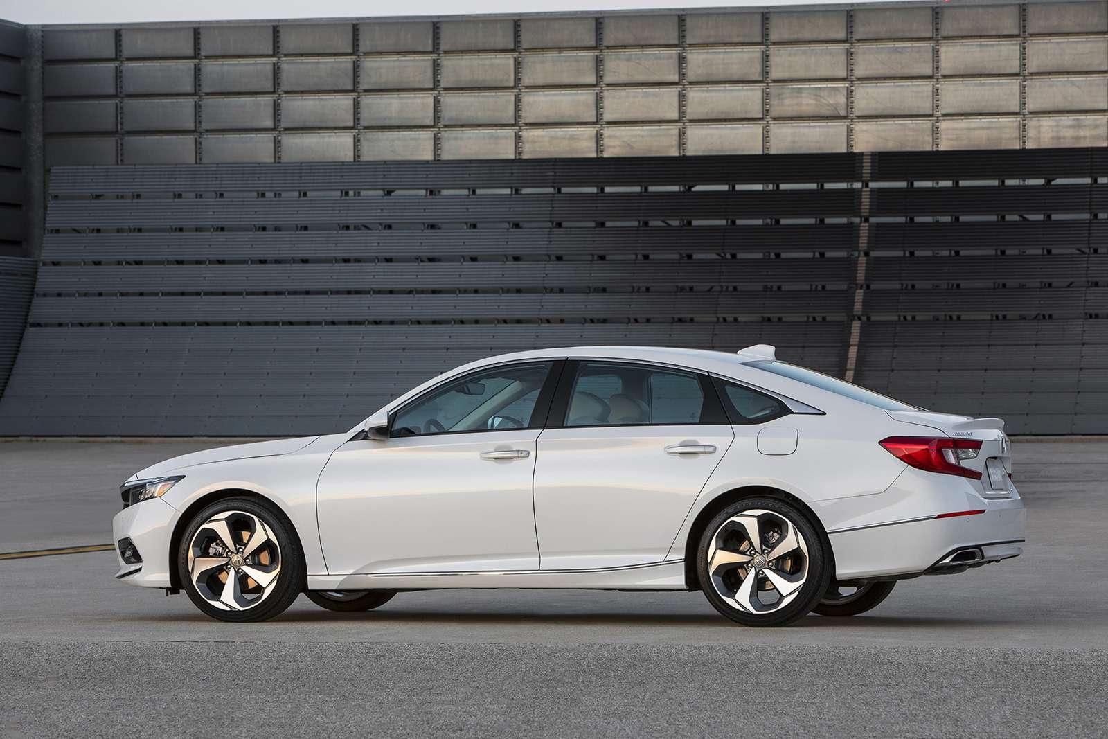 Honda показала конкурента Тойоты Камри. Появится лионунас?— фото 774919