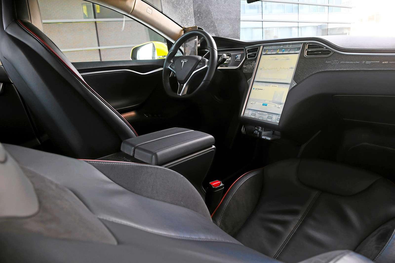 Такси-тест Tesla Model SP85: деньги изрозетки— фото 598038