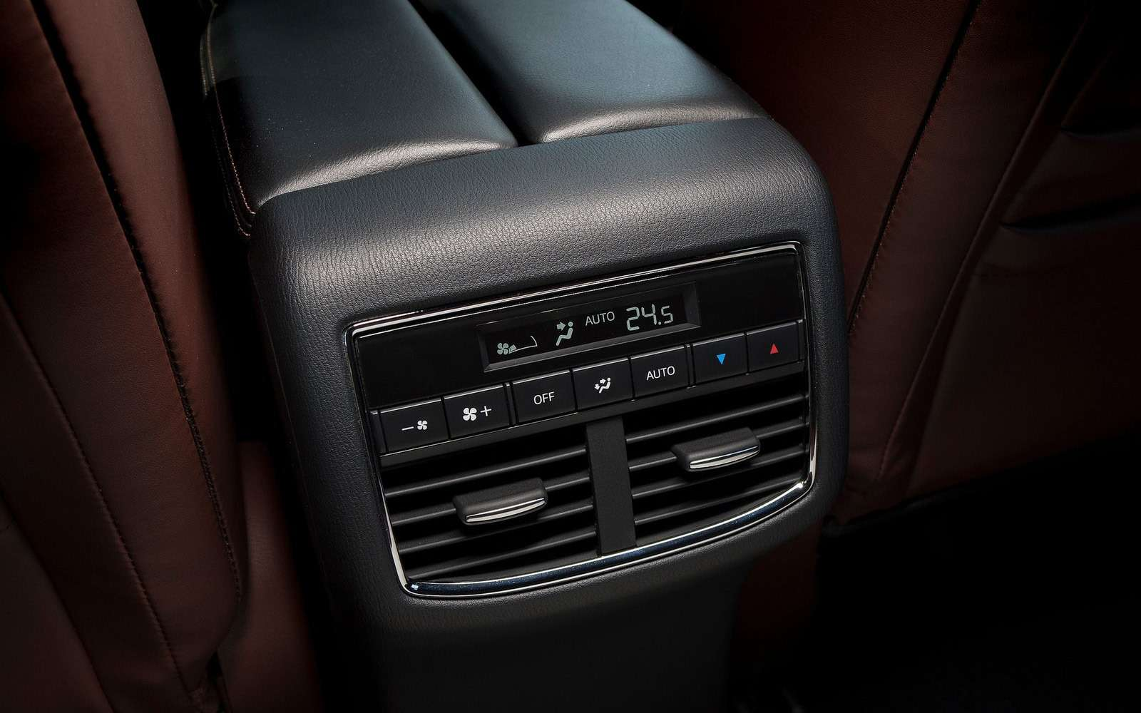 Mazda объявила рублевые цены накроссовер CX-9— фото 786320