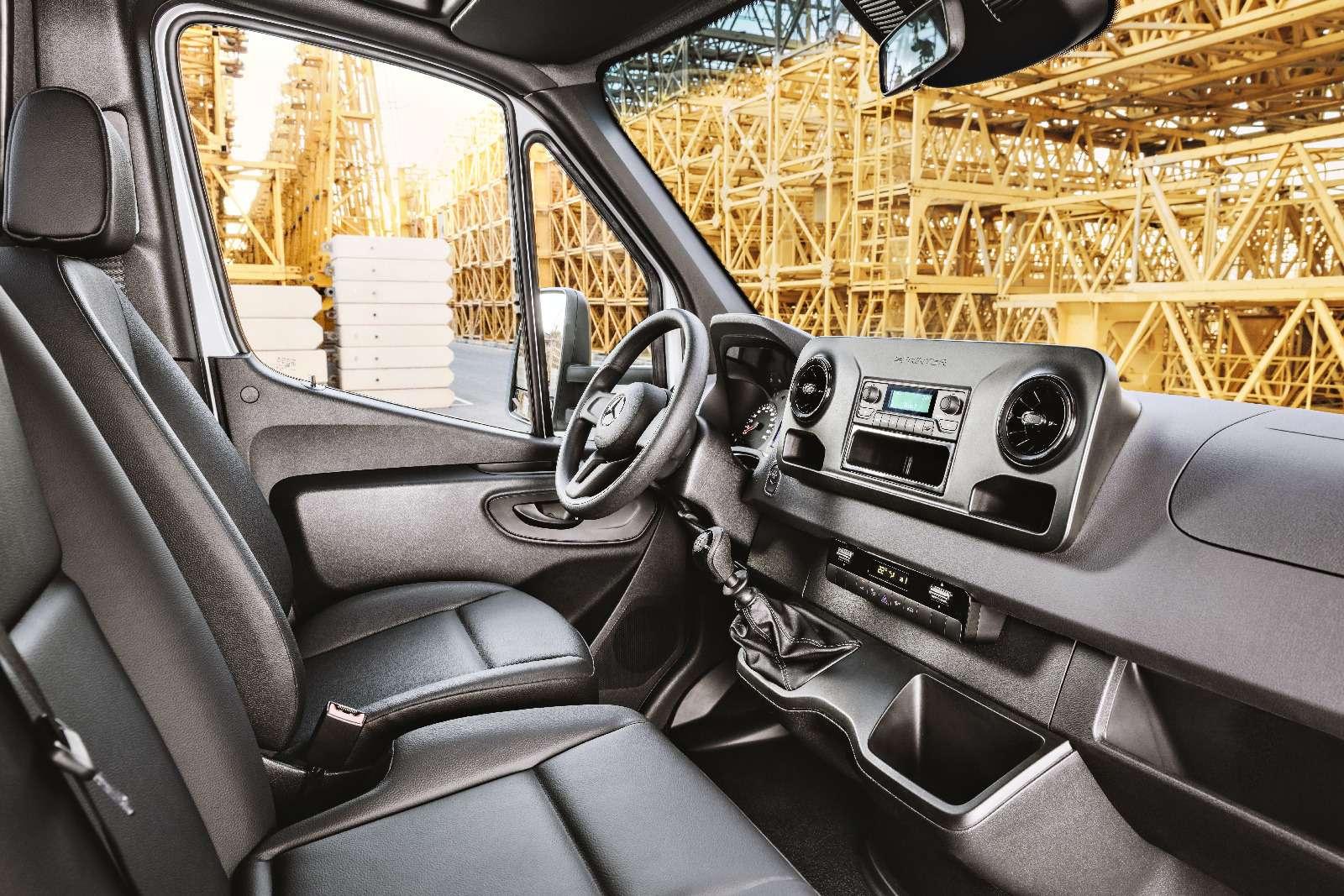 Новый Mercedes-Benz Sprinter: передний привод идо5,5т груза— фото 842797