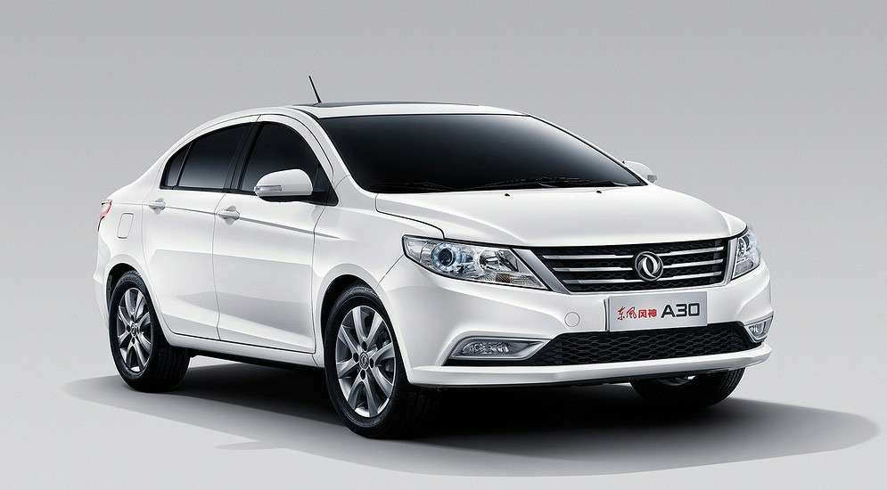Dongfeng покажет наММАС два компактных седана— фото 623012