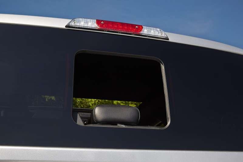 Ford представил бесшовное заднее стекло сфорточкой дляпикапа F-150