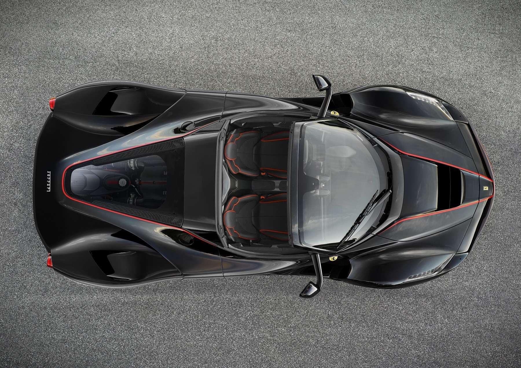 В двух словах овеликом: Ferrari представила гиперкар LaFerrari Aperta— фото 605419