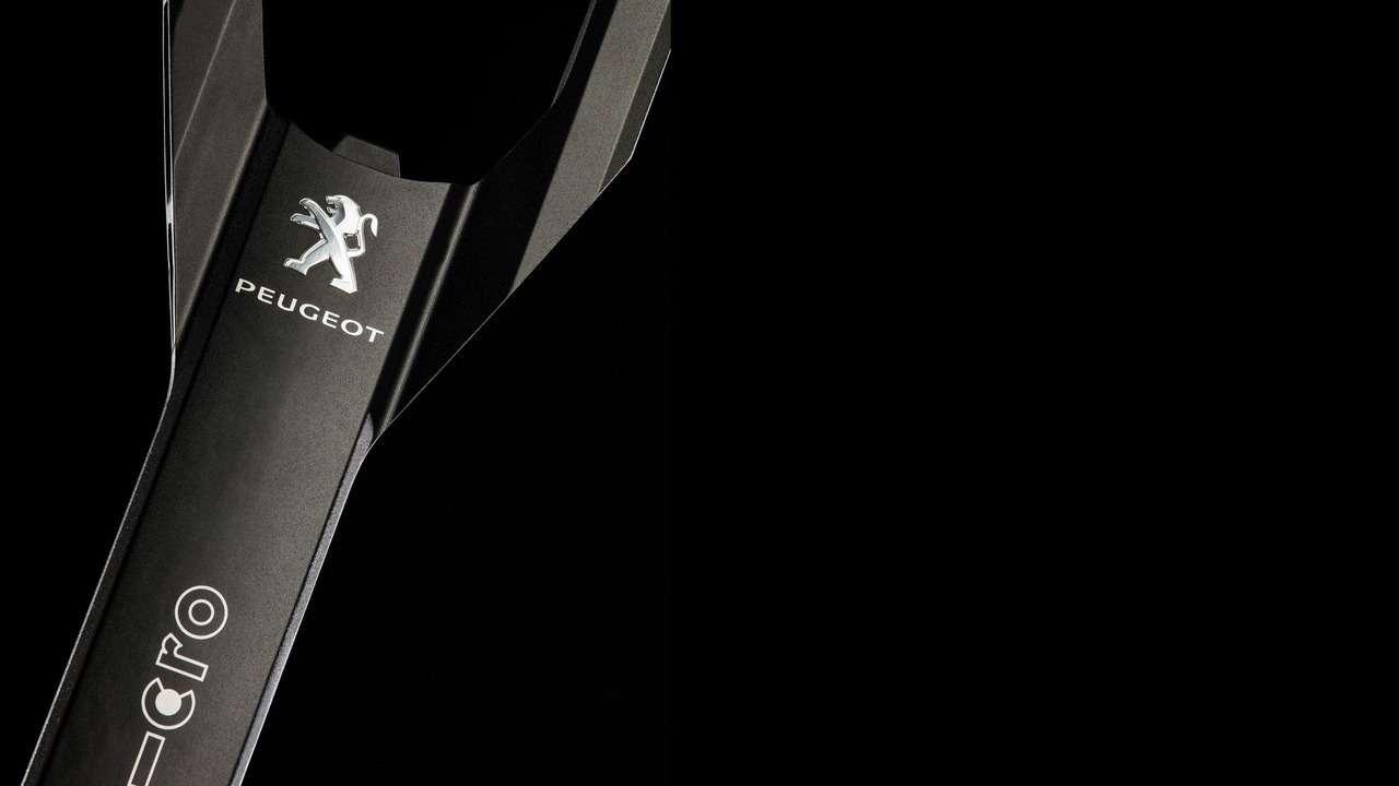 Peugeot дополнит кроссовер 3008 электросамокатом— фото 590918