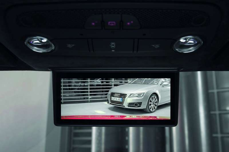 Audi new digital rear-view mirror 3_no_copyright