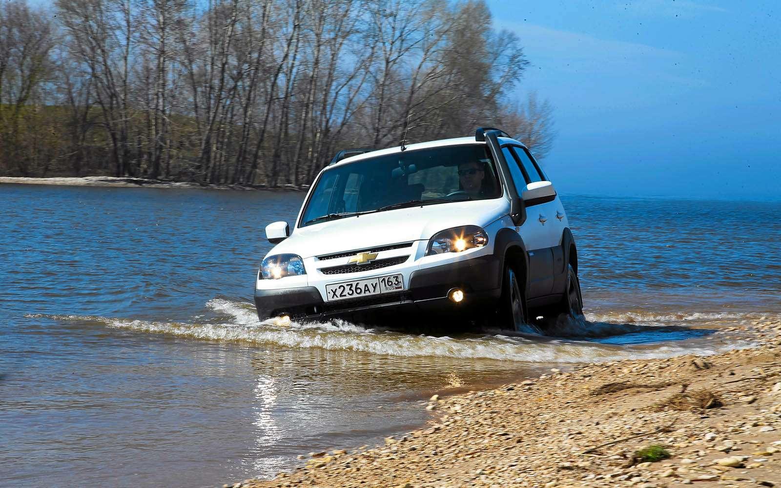 Chevrolet Niva: 10000 километров замесяц— фото 603201