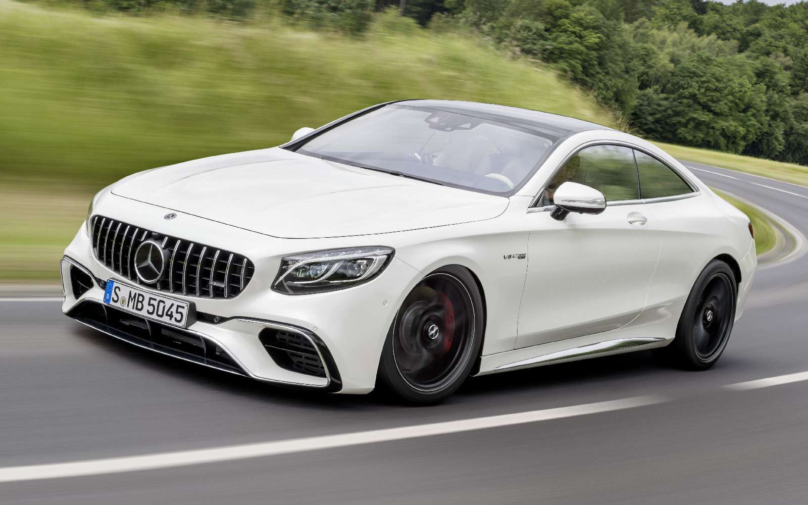 Mercedes-Benz обновил свои самые крутые модели— фото 791055