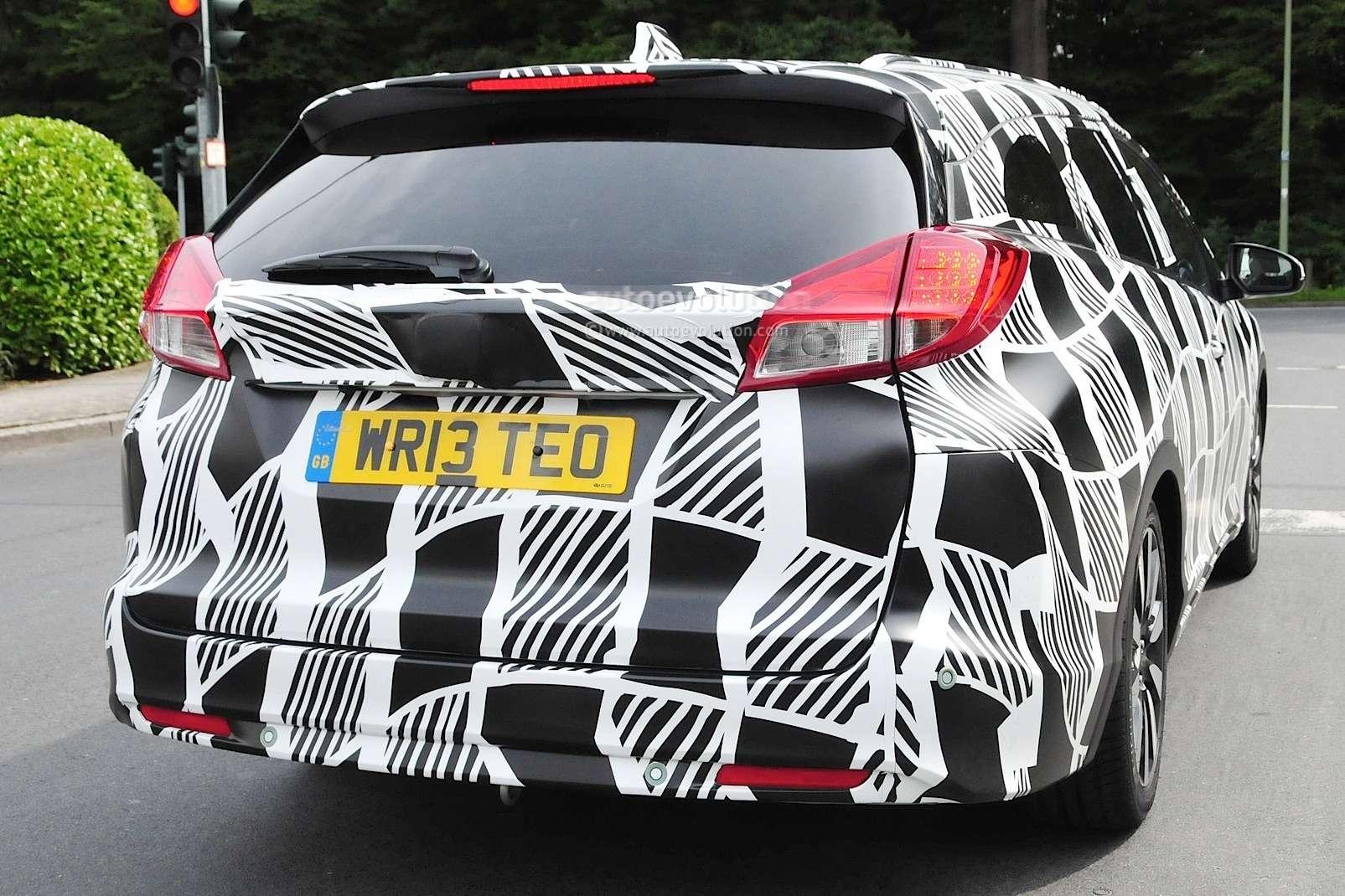 2015-honda-civic-tourer-facelift-spied-testing_4
