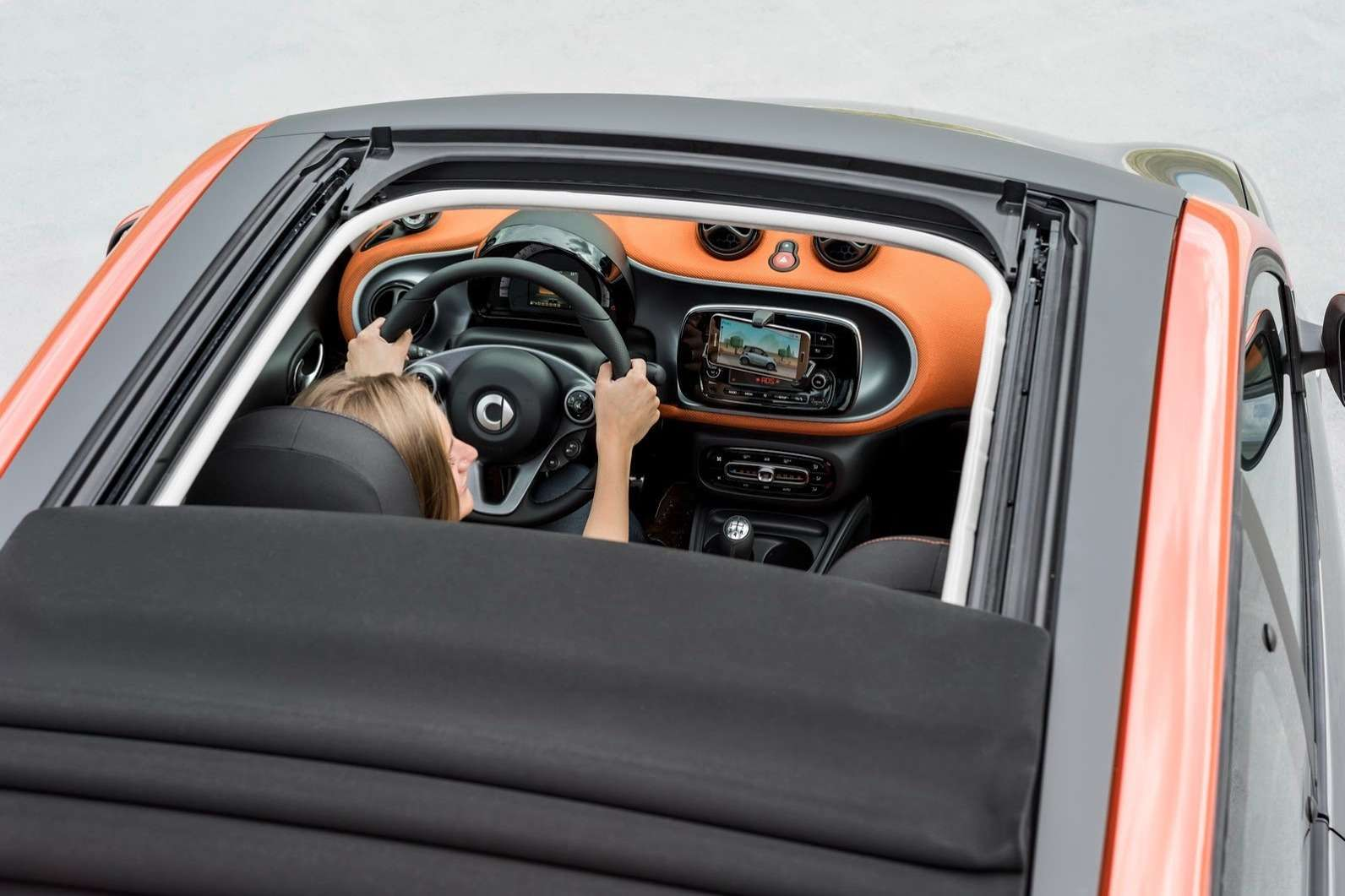 2015-Smart-ForTwo-ForFour-76