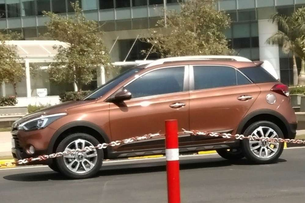 Hyundai-i20-Active-1-Side
