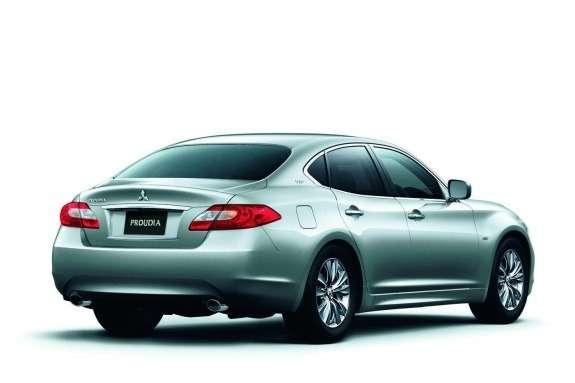 Mitsubishi Proudia side-rear view