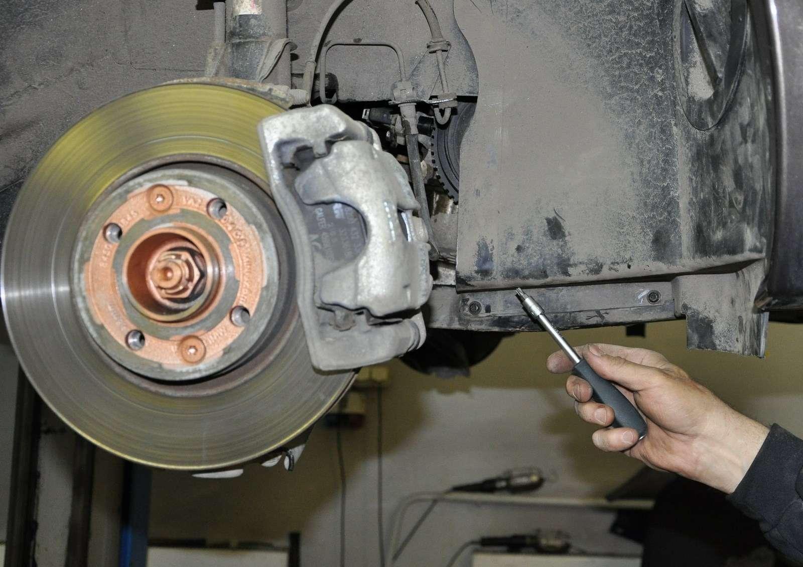 Lada Vesta: проверка изамена ремня привода вспомогательных агрегатов— фото 568591
