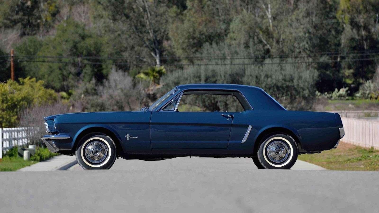 Самое первое купе Ford Mustang потрясет аукцион ценой— фото 726632