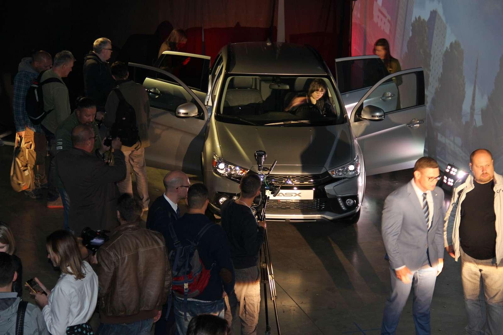 Mitsubishi представила вМоскве обновленный кроссовер ASX— фото 798313