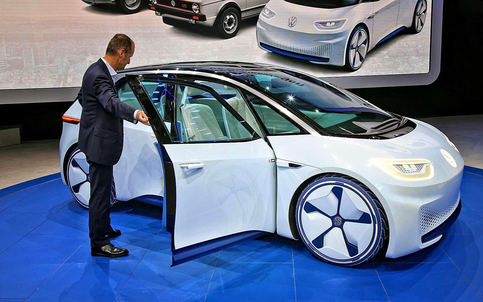 Бестселлер нового мира: Volkswagen намекнул набудущий электрокар— фото 641551