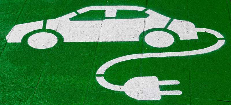 Дорого, хлопотно, нонадо: кто ипочему покупает электромобили вСеверной Европе