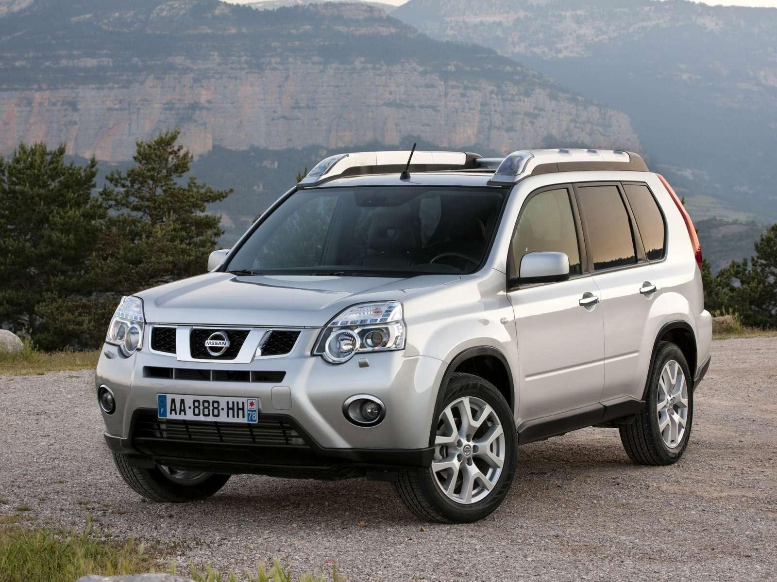 Nissan_X-Trail_SUV 5door_2010