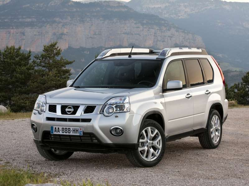 Nissan_X-Trail_SUV 5 door_2010