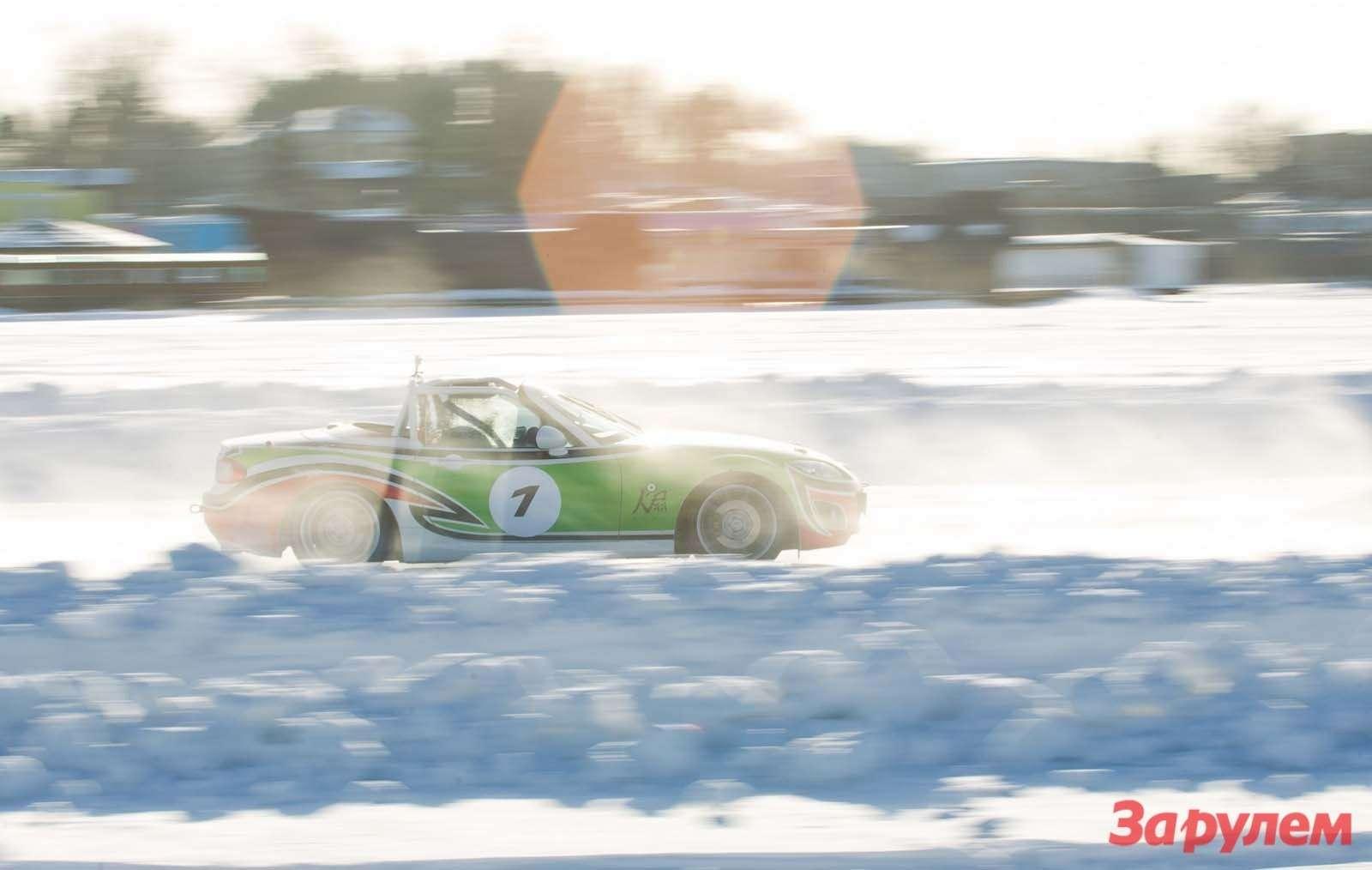 Mazda MX5Ice Race 2013     106