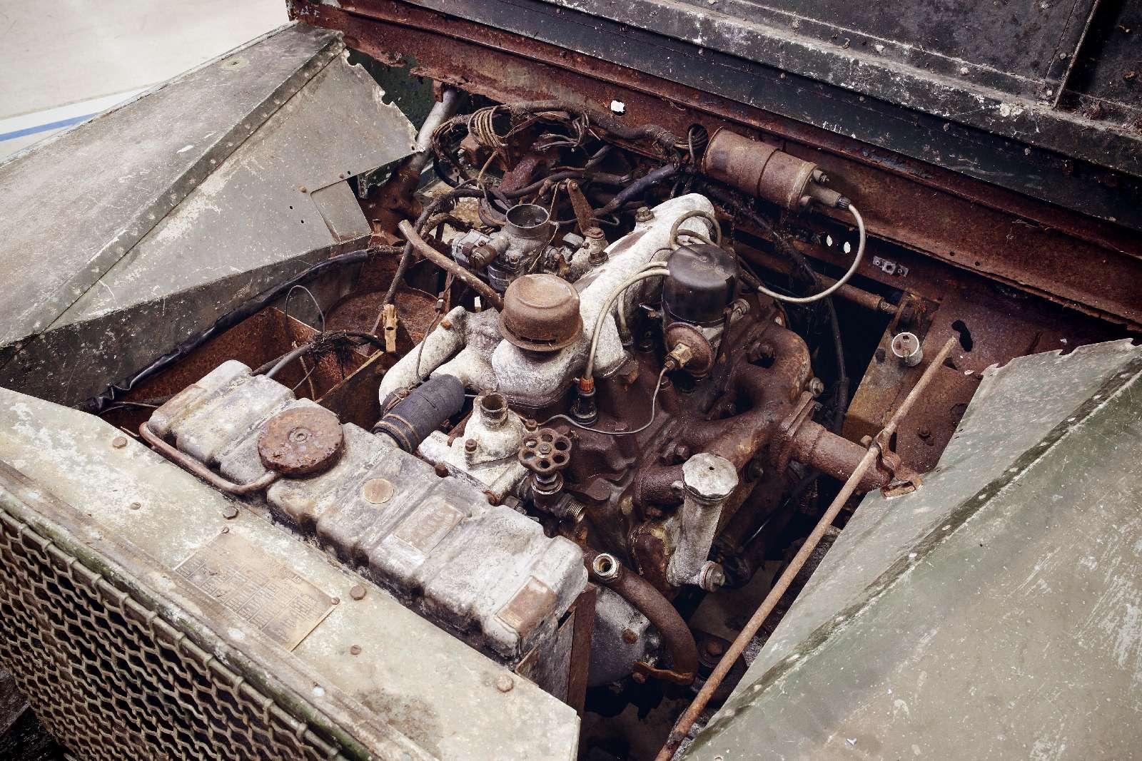 Land Rover нашел первый выпущенный компанией внедорожник— фото 834955